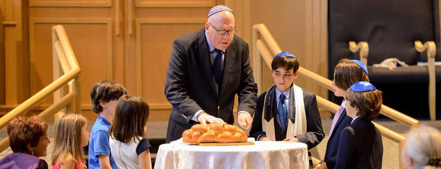 temple-solel-hollywood-fl-rabbi-hebrew-bread
